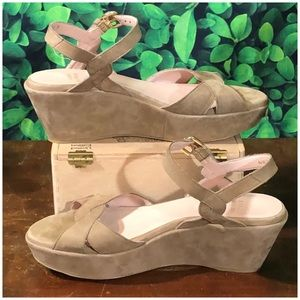 Stuart Weitzman beige suede platform sandals